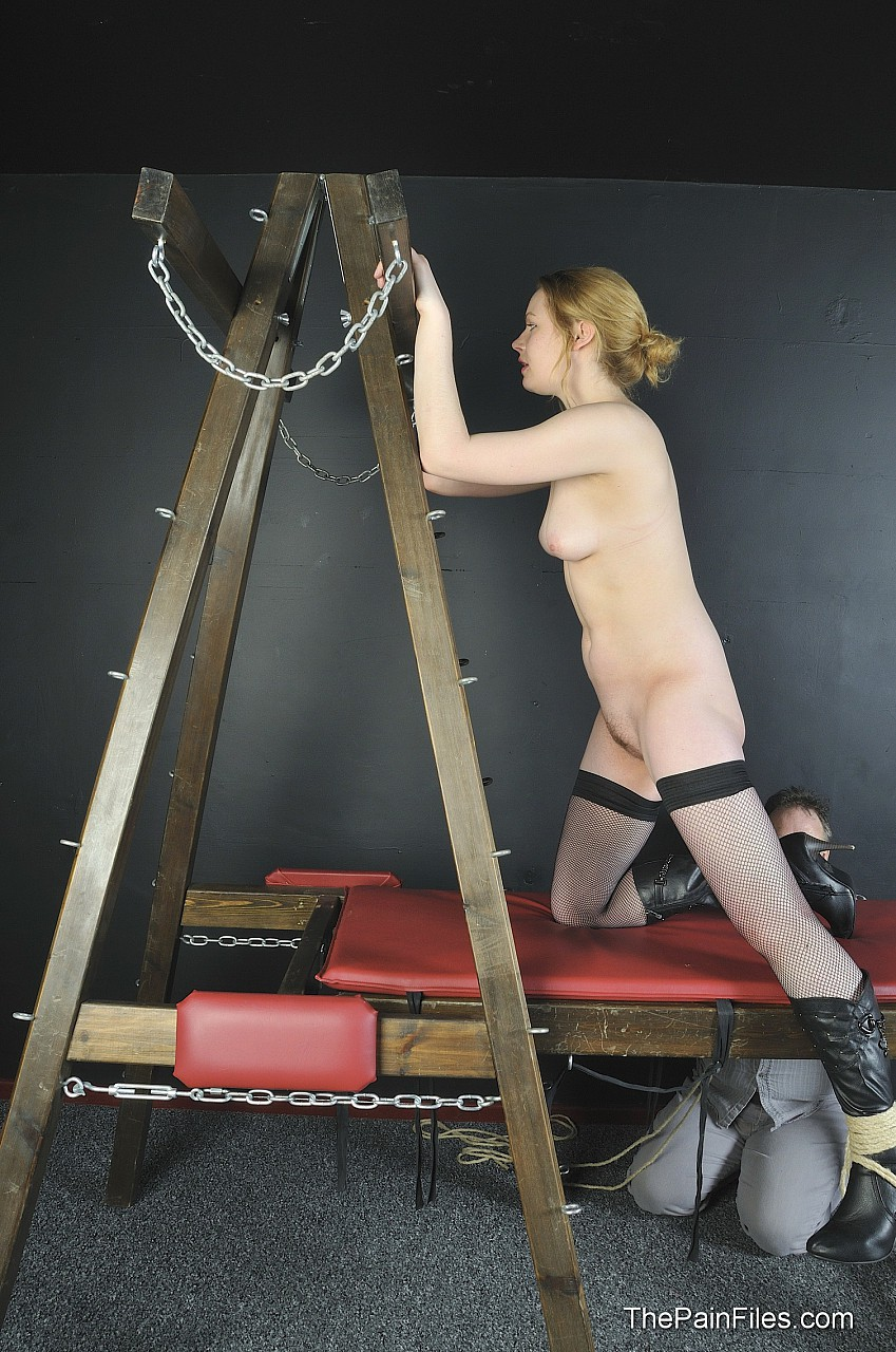 A slave girl in bdsm pics from Rosie