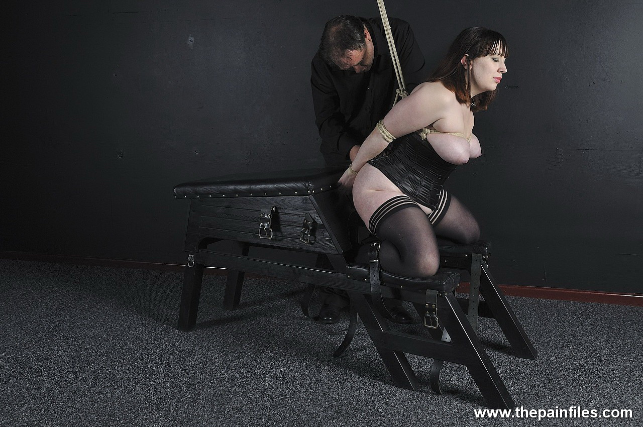 amateur bbw gets her boobs tied in the dungeon